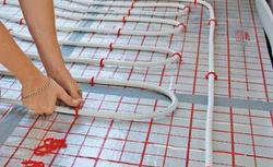 Jakie wybrać rury do ogrzewania podłogowego i jak je układać?