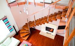 Nowoczesne schody gotowe - rodzaje, wykończenie, oświetlenie schodów