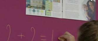 Pisz kredą i przyczepiaj magnesy- tapeta magnetyczna