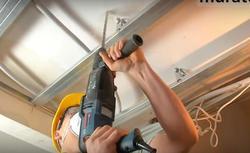 Planujesz remont domu? Sprawdź, jak przydatnym narzędziem może okazać się młot udarowo-obrotowy!