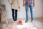 Plamy po malowaniu ścian. Jak się ich pozbyć?