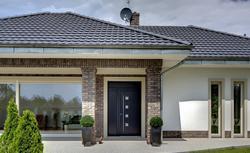 Zalety dachówek ceramicznych. Dlaczego warto wybrać pokrycie z dachówek ceramicznych?