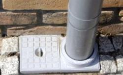 Z rynny do kanalizacji - metody odprowadzania wody deszczowej